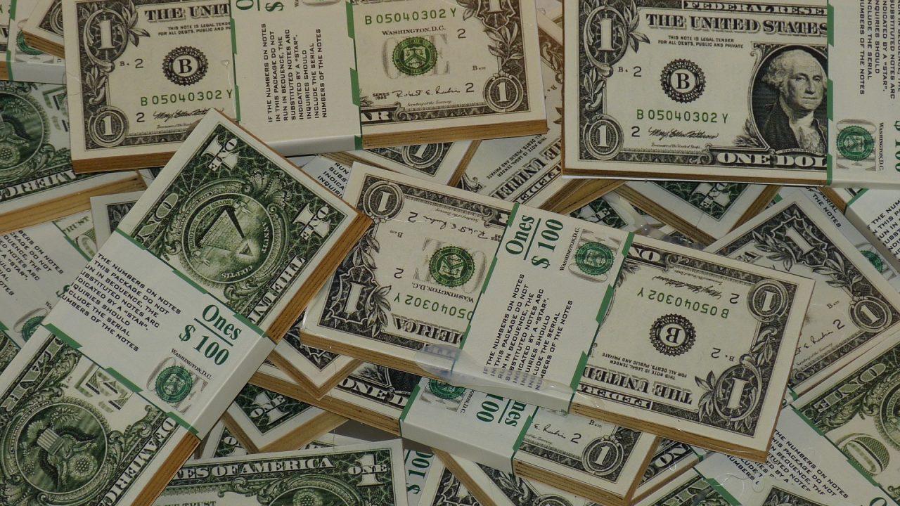 Dolar poniżej 3,80 zł