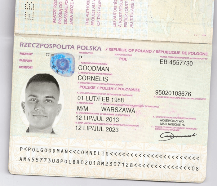 Skan paszportu wysłany przez oszusta ze scamu charge-backers.pl