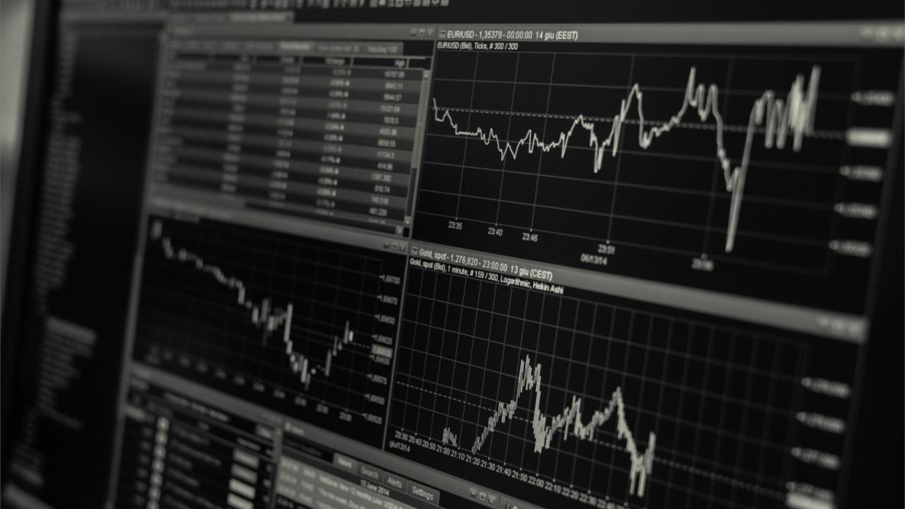 80% młodych polaków chce inwestować - wynika z badania opinii publicznej etoro