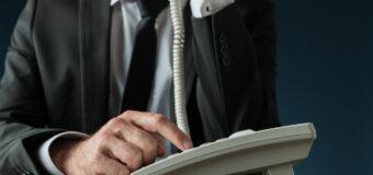 telefoniczny oszust ujawnił szczegóły swojej pracy